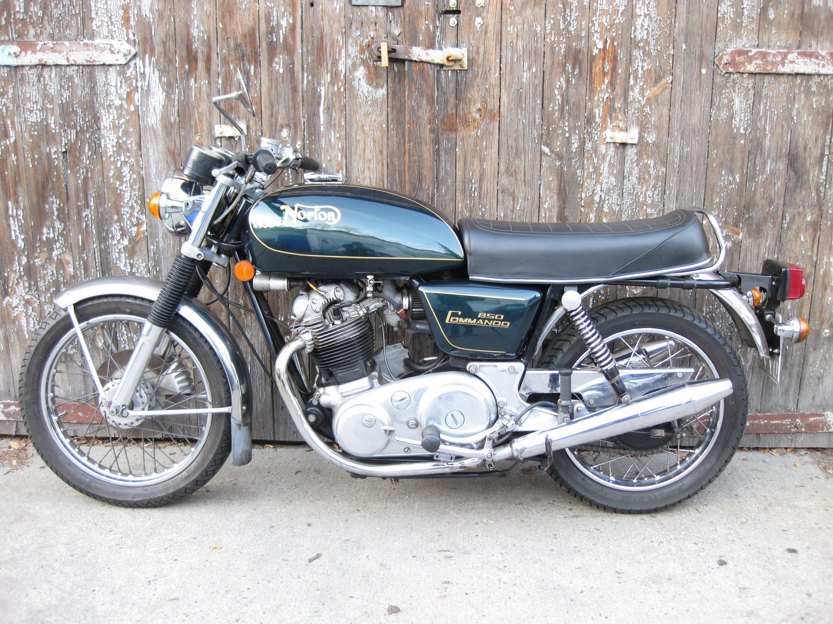Norton 850 Interstate